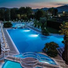 piscina-notturno